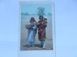 PUEBLO POTTERY VENDERS - Indiens De L'Amerique Du Nord