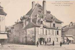 46 - SAINT-CERE - Vieille Maison Place De La République (impeccable) - Saint-Céré