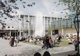 AS39 Queen's Court, Central Milton Keynes Shopping Area - Buckinghamshire