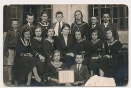 REAL PHOTO, SCHOOL GIRLS BOYS WITH TEACHER, FILLETTES ET GARCONS   Professeur ,photo ORIGINAL - Persone Anonimi