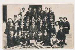 REAL PHOTO, SCHOOL GIRLS And TEACHER, FILLETTES Et  Professeur ,photo ORIGINAL - Persone Anonimi