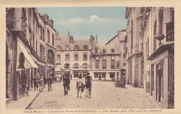 Ile-et-Vilaine - Saint-Malo - L'ancienne Poste Et La Cathédrale - Saint Malo
