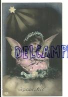 Photographie Montage. Ange, étoile, Gui, Couronne De Fleurs. Ajoutis De Petits Points Blancs  (peinture ?). 1907 - Anges