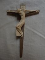 Ancien Crucifix Mural - Mobilier