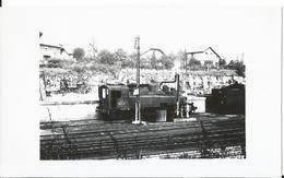 Photo - Locomotive à Besançon L En  En 1955 - Thème Chemin De Fer - Train   - - Treni