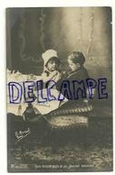 """Photographie. Deux Enfants """"Une Bonne Pipe Et Un Journal Innocent"""". 1906. H. Manuel. Paris - Scènes & Paysages"""