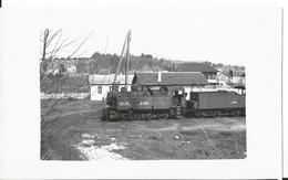 Photo - Locomotive -à Identifier - Langres ?? - Thème Chemin De Fer - Train   - - Trains