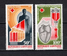 GABON PA N° 56 + 57  NEUFS SANS CHARNIERE COTE 6.00€  CROIX ROUGE - Gabon (1960-...)