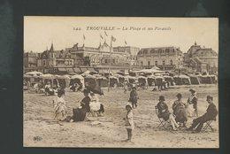 CPA - 14 - TROUVILLE - LA PLAGE ET SES PARASOLS - - Trouville