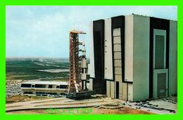 ESPACE - JOHN F. KENNEDY SPACE CENTER, N.A.S.A. -NASA APOLLO SATURN V, 500 F FACILITY VEHICULE - - Espace