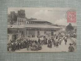 CPA 35 RENNES MARCHE DE LA PLACE DES LICES  ANIMEE - Rennes
