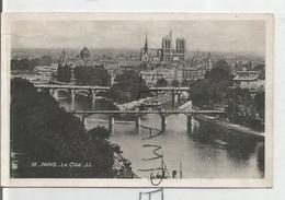 Notre-Dame De Paris. La Cathédrale. Vue De L'île De La Cité à Partir De La Seine. - Notre Dame De Paris