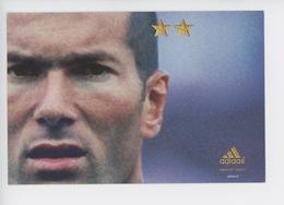 """Zinédine Zidane - Juin 2002 """"on A Qu'une Chose En Tête"""" (protrait) Adidas Cp Vierge - Fussball"""