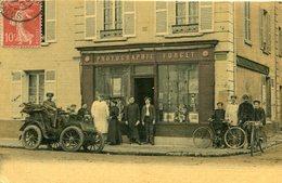A Identifier Boutique Photographie FORGET Grande Rue De Paris Où ? Tacot Personnel Photos Vitrine Ecrit Par Le Patron - A Identifier
