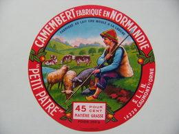 Etiquette Camembert - Le Petit Pâtre - S.L.I.N à Caumont S/Orne 14 Normandie - Calvados  A Voir ! - Quesos