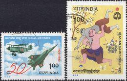 INDIA 1982 - AERONAUTICA MILITARE + GIOCHI ASIATICI, LOTTA - 2 VALORI USATI - India