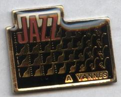 Pin's Musique Jazz Vannes Bretagne - Musique