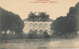 AN 65  / C P A     AFRIQUE-  CONGO FRANCAIS LIBREVILLE - HOTEL DU GOUVERNEMENT - Congo Français - Autres