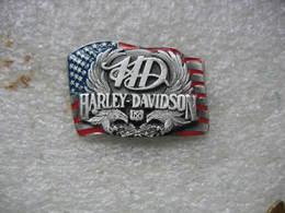 Pin's Motos Harley Davidson En Relief. Réf HD6 - Motos