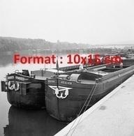 Reproduction D'une Photographie Ancienne D'un Barrage De Péniches à Conflans-Sainte-Honorine En 1968 - Reproductions