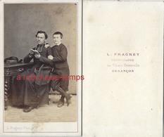 CDV Second Empire-un Prêtre Et Un Enfant-photo Fragney à Besançon - Photographs