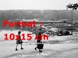 Reproduction D'une Photographie Ancienne Du Barrage De Péniches à Conflans-Sainte-Honorine En 1968 - Reproductions