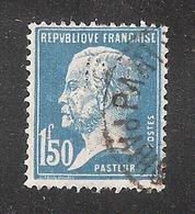 Perforé/perfin/lochung France No 181 BP  Banque De Paris Et Des Pays Bas (143) - France