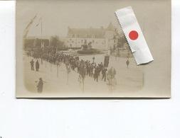 Rare CARTE PHOTO - PONS  - L'Hotel De La Ville Un Jour De Fête (défilé-Procession-Etendard) - Société Lumière Editeur - - Pons