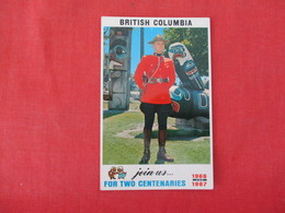 > British Columbia  Policeman & Totem Pole      Ref 3286 - Other