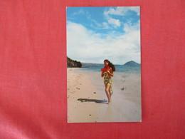 Lovely Island Girl Koko Head Hi.> Ref 3286 - Pin-Ups