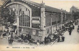 Biarritz - Les Halles Un Jour De Marché - Carte LL N° 294 Animée, Non Circulée - Biarritz