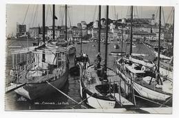 (RECTO / VERSO) CANNES - N° 186 - LE PORT AVEC VOILIERS - CPA AVEC GLACAGE VOYAGEE - Cannes