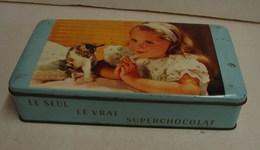 Boîte. 27.  Rectangulaire Des Chocolats Jacques. Décor D'une Jeune Fille Avec Un Chat - Boîtes
