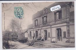 RAUCOURT- LA GARE ET LE TRAIN- RARE - Autres Communes
