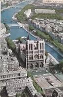 PARIS - Vue Aérienne - La Cathédrale Notre-Dame - La Façade Et Le Parvis - Notre Dame De Paris