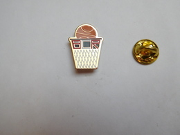 Beau Pin's , Basket , BCR , Roézé Sur Sarthe ?? - Basketbal