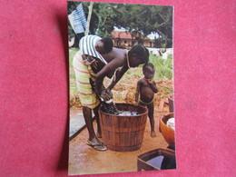 Guinea - Guiné Portuguesa - Lavadeira Nativa - Fulacunda - Guinea-Bissau