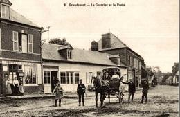 CP Grandcourt Le Courrier Et La Poste - Animée - Reproduction - Altri Comuni