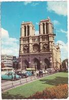 Paris: RENAULT FRÉGATE, AUSTIN A40 SOMERSET, VW 1200 KÄFER/COX, AUTOBUS - Cathédrale Notre-Dame - Toerisme