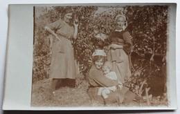 Carte Photo 3 Femme Bretonne Coiffe Et Costume Breton - Personnes Anonymes