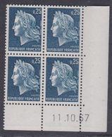 France N° 1535 XX Marianne De Cheffer : 25 C. Bleu En Bloc De 4 Coin Daté Du  11 . 10 . 67, Ss Trait, Sans Charnière, TB - Coins Datés