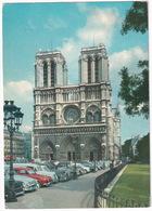 Paris: SIMCA ARONDE, RENAULT JUVA BREAK, DAUPHINE, CITROËN DS, TRACTION AVANT - Cathédrale Notre-Dame - Toerisme