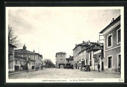 CPA Saint-Marcellin, La Place Chateau Bayard - Saint-Marcellin