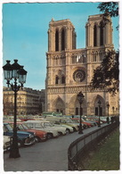 Paris: OPEL REKORD P2, KADETT B CARaVAN, RENAULT 4, 16, 8, CITROËN DYANE, 2CV AK250 -  Facade Cathédrale Notre-Dame - Toerisme