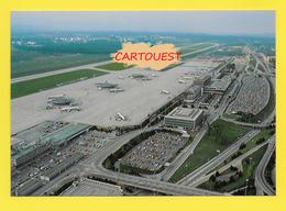 AIRPORT ֎ AEROPORT ֎  Aérogare GENEVE COINTRIN  ֎ Avion Sur Le Tarmac - Aerodromi