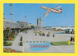 AIRPORT ֎ AEROPORT ֎  Aérogare WIEN VIENNA VIENNE  ֎ Avion Sur Le Tarmac - Aerodromi