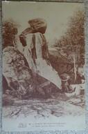 Cpa - ( 77 )  Fôret De Fontainebleau - La Dame Jeanne (rocher D'avon) - Fontainebleau
