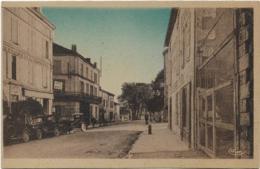 D16 - MONTMOREAU - CARREFOUR DE LA ROUTE D'ANGOULÊME - Carte Colorisée-Café Des Sports-Hôtel De France Et Du Commerce - Autres Communes