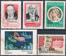 Uruguay 1968 / 78  -  Yvert  773 + 777 + 784 + 1003 + AEREO  358  ( ** ) - Uruguay