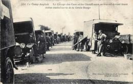 Guerre 14/18 - Le Camp Anglais - Le Garage Des Cars Et Des Chauffeuses Au Travail Devant Leurs Autos-Ambulances - Guerre 1914-18